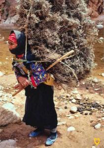 Postal comprada en Tánger, Marruecos. Editada por FISA-Escudo de Oro.